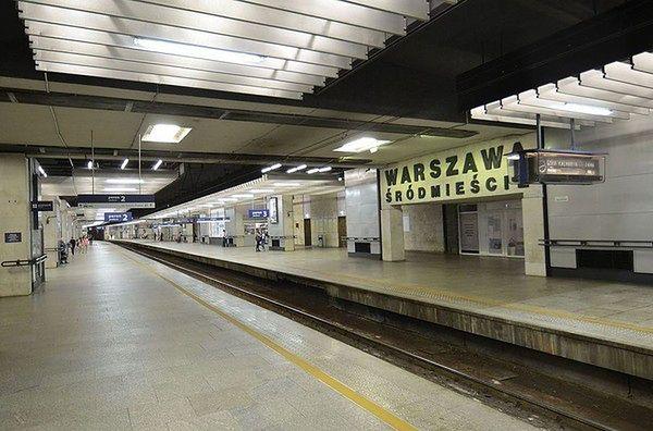 Śmiertelne potrącenie na torach w Śródmieściu w Warszawie