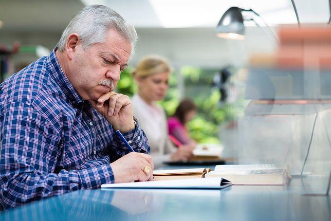 Oszczędzanie na emeryturę. Polakom zostaje IKE albo ZUS