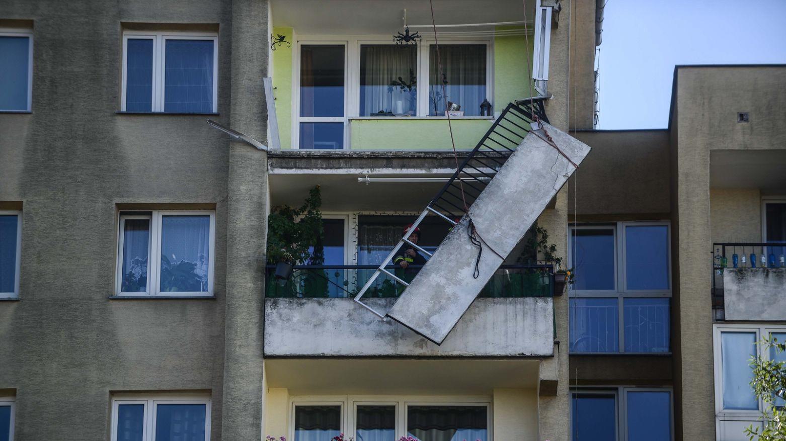 Skaczcie ze mną z balkonu