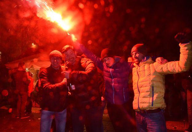 Tłumy Polaków bawiły się na sylwestrze w plenerze
