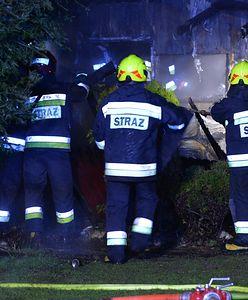 Ogromny pożar w Bartnikach. Spłonęła obora z bydłem. Nie żyje wiele zwierząt