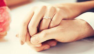Nie ma nic złego w pierścionkach z małymi kamieniami?