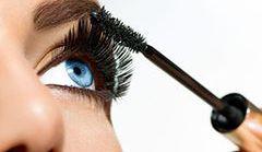 Jak krok po kroku wykonać makijaż smoky eye?