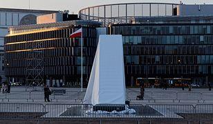 Odsłonięcie monumentu było centralnym punktem obchodów 8. rocznicy tragedii smoleńskiej