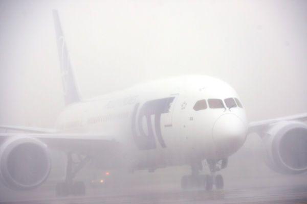 Mgła paraliżuje ruch na polskich lotniskach