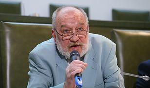 W archiwach IPN można znaleźć akta spraw, w których Józef Iwulski orzekał przeciwko opozycjonistom