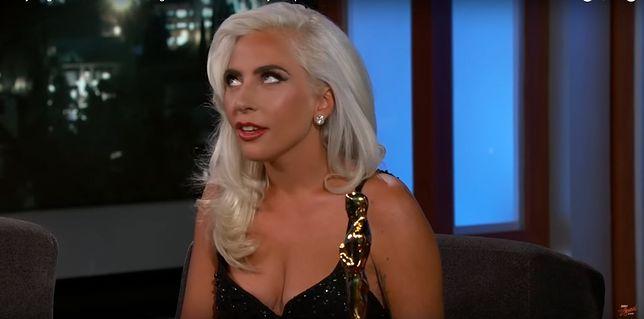 Na wspomnienie plotek Gaga przewróciła oczami