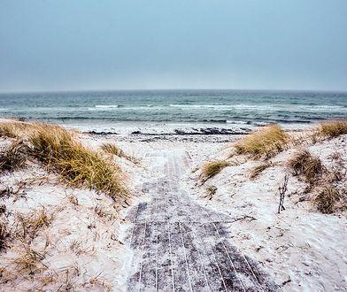 Wyrusz nad morze zimą. Przyciąga turystów również po sezonie