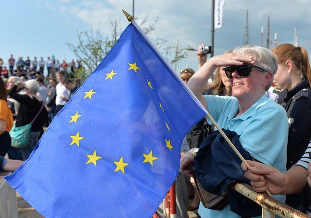 Hahn: Polska przykładem w wydatkowaniu środków UE