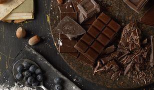 Surową czekoladę możesz bez problemu przygotować w domu