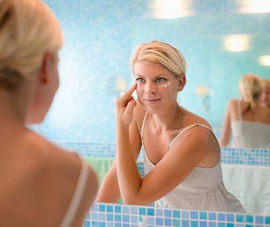 Warto poznać lanolinę, która posiada szerokie zastosowanie zarówno w kosmetyce, jak i produktach leczniczych.