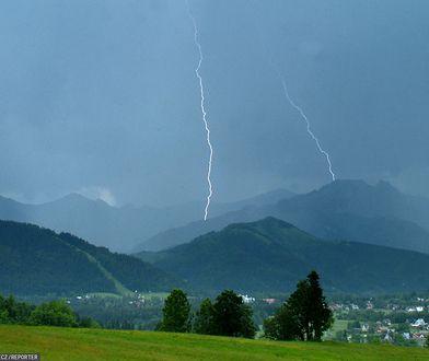 Rządowe Centrum Bezpieczeństwa ostrzega przed burzami w Tatrach. Alerty dla mieszkańców dwóch regionów