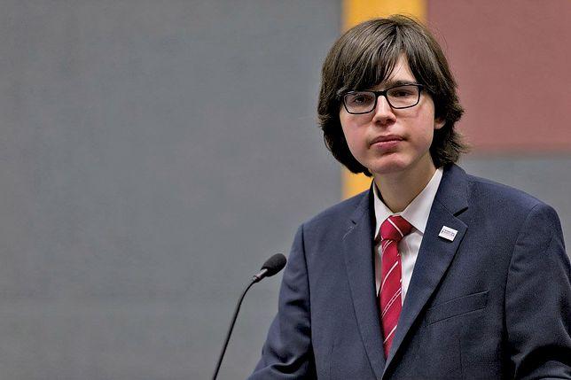 """""""Ministrant Obrony Narodowej"""". Edmund Janniger znowu na ustach internautów"""