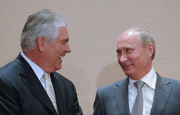 USA: Rex Tillerson musi odpowiedzieć na pytania o związki z Władimirem Putinem