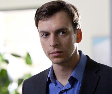 """""""Kierunek: Noc"""": Ksawery Szlenkier opowiada o swojej roli w serialu Netfliksa"""