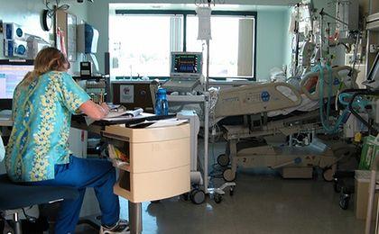 Pielęgniarki idą do ministerstwa. Chcą podwyżek i grożą strajkiem