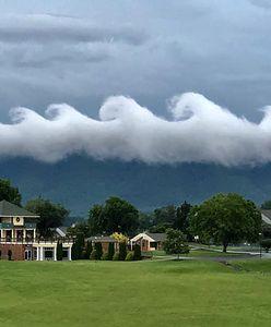Chmury jak fale z obrazu van Gogha. Internauci zachwyceni