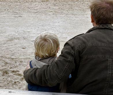 Ojciec z synem (zdjęcie ilustracyjne)