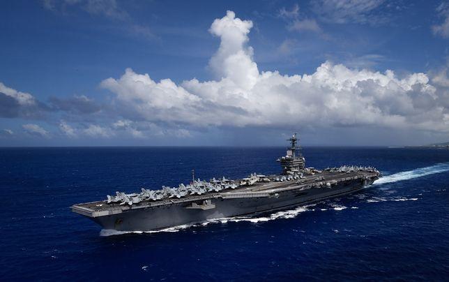 Koronawirus na świecie. Lotniskowiec USS Theodore Roosevelt został ewakuowany z powodu epidemii.