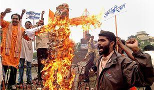 Protest członków Bajrang Dal w 2004 r.