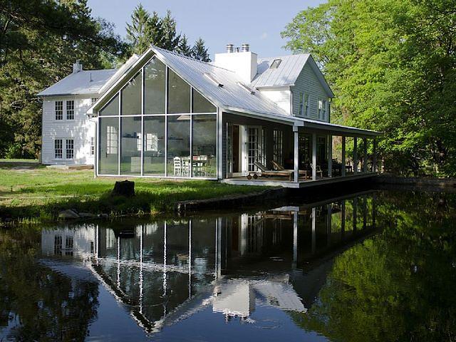 Spektakularna renowacja domu nad wodą
