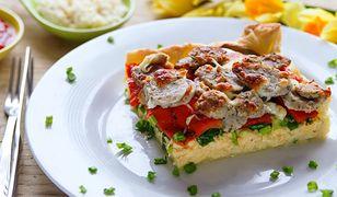 Tarta wielkanocna z białą kiełbasą i mozzarellą