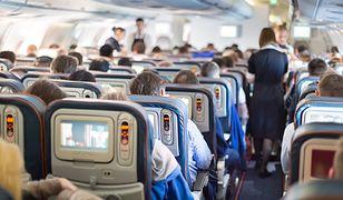 8 rzeczy, które dostaniesz za darmo na pokładzie samolotu