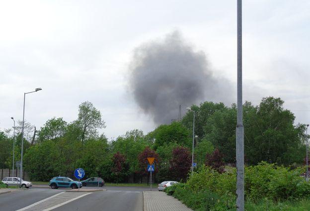Dym nad Katowicami. W hurtowni zabawek wybuchł pożar