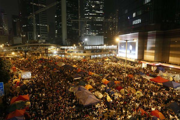 Uczestnicy protestów w Hongkongu domagają się pełnej demokracji