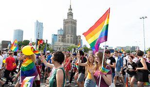 """Program LGBT+ dla Warszawy. """"Edukacja antydyskryminacyjna w szkołach"""""""