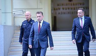 Minister spraw wewnętrznych i administracji Mariusz Błaszczak, szef policji nadinsp. Jarosław Szymczyk i szef Biura Ochrony Rządu nadinspektor Tomasz Miłkowski.