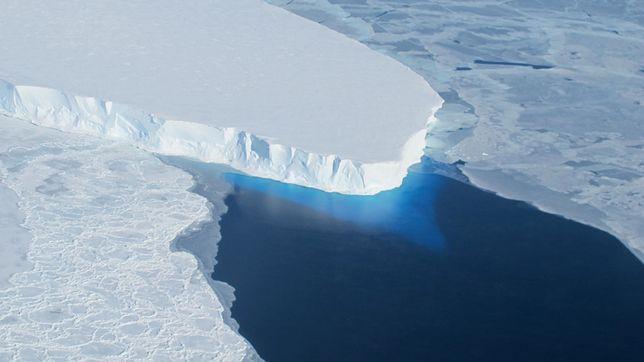 Globalne ocieplenie wpływa bardzo destrukcyjnie na lodowce.