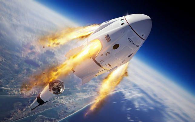Kapsuła Dragon zabierze w przyszłości na pokład astronautów. Wcześniej musi przejść testy