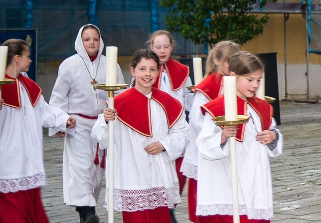 Ministrantki mogą służyć w Polsce w prawie połowie diecezjii