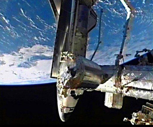 Ostatni amerykański prom zacumował do stacji kosmicznej