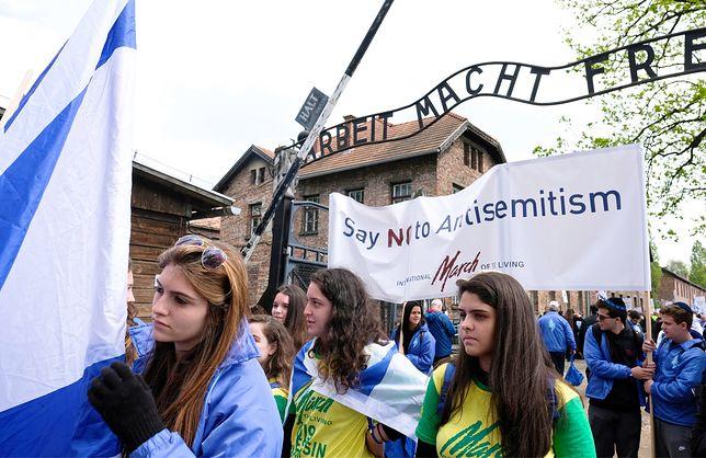 W marszu idzie 10 tys. osób