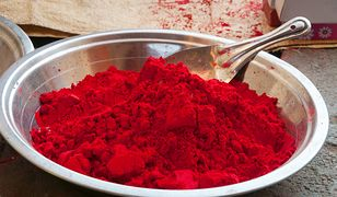 Barwniki sztuczne kontra naturalne - które lepsze?