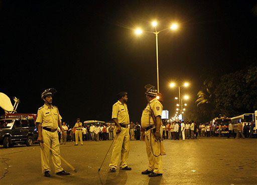155 ofiar zamachów w Bombaju, chaos w Taj Mahal