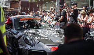 Sebastian Kulczyk wśród VIP-ów na rajdzie Gumball 3000. Krótka przerwa od robienia biznesu