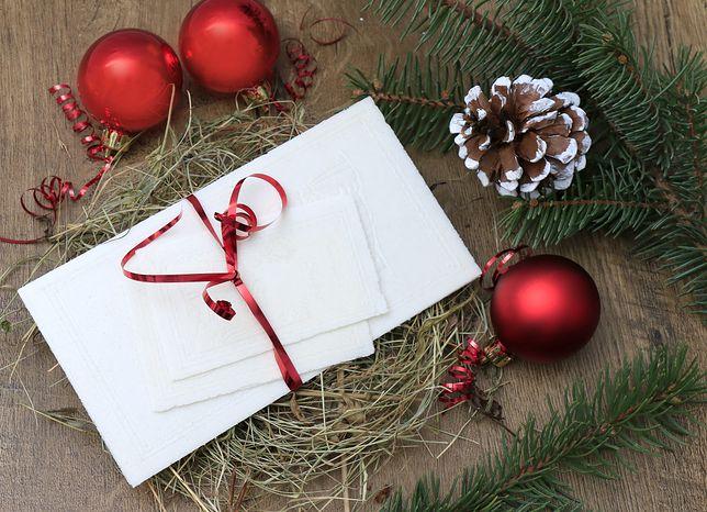 W okresie świątecznym warto wysłać życzenia bożonarodzeniowe do klientów
