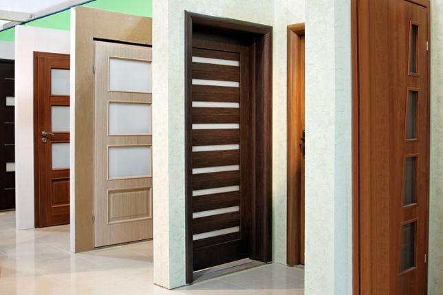 Na wybór pełnych lub przeszklonych drzwi ma wpływ wiele czynników
