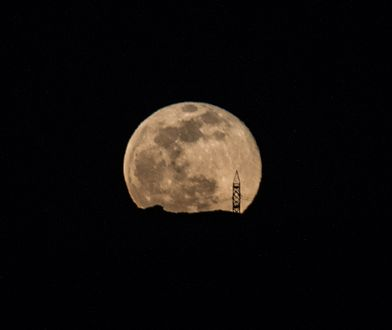 Superksiężyc. Krwawy Księżyc. Pełne zaćmienie Księżyca. Niezwykłe zjawisko na niebie. Kiedy będzie je można zobaczyć?