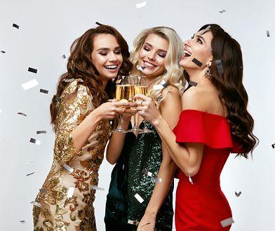 Najmodniejsze sukienki na sylwestra 2021: przywitaj nowy rok w wielkim stylu!
