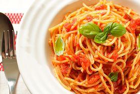 Makaron z sosem pomidorowo-cukiniowo-serowym