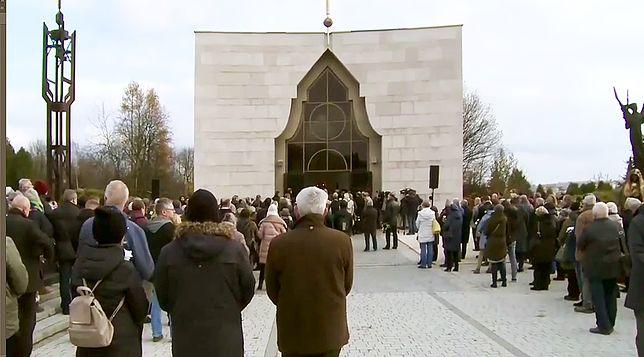 Pogrzeb Piotra Szczęsnego. Mężczyzna zmarł po podpaleniu się w centrum Warszawy