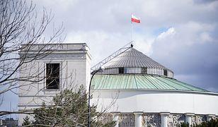 Warszawa. Sejm chce się odgrodzić bramą. Obrona przed demonstrantami