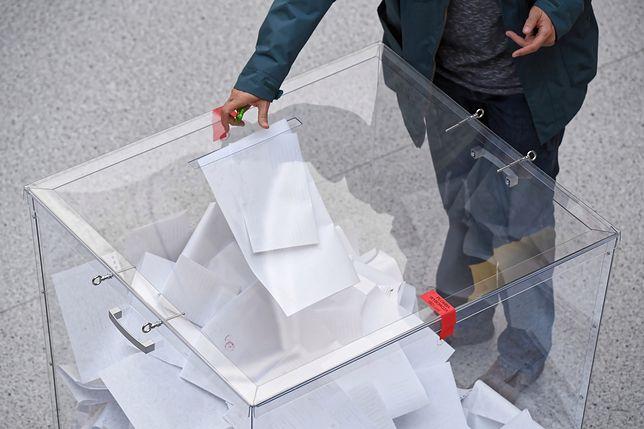 Zniknęły tylko karty do głosowania na prezydenta