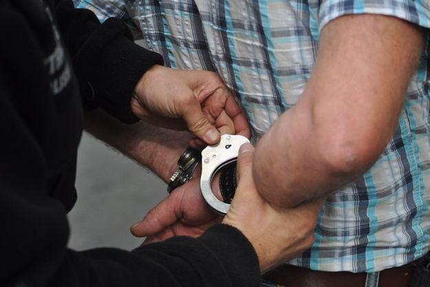 Policja zatrzymała płatnego mordercę. 17-latek zabił 30 osób
