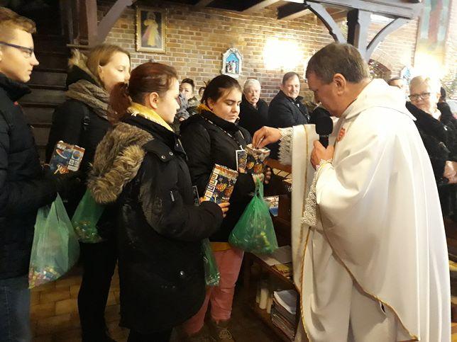 """WOŚP. Ten ksiądz zawstydzi wielu duchownych. """"Całą tacę oddam na akcję Jurka Owsiaka"""""""