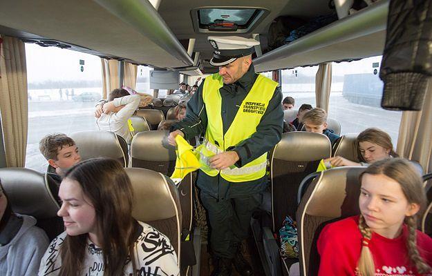 Autokary z dziećmi jadącymi na ferie będą dodatkowo sprawdzane